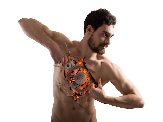 Homem arrancando a pele do peito e mostra mecanismo de engrenagens com fogo