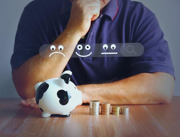 Homem asiático com moedas do cofrinho empilhando ilustração do canal de emoção e pesquisa. homem está enfrentando problemas financeiros com opções de poupança