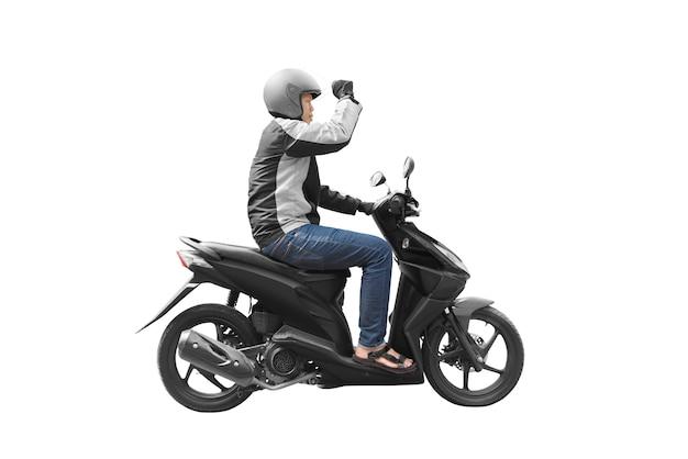 Homem asiático de táxi de moto com sua moto