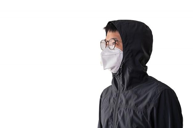 Homem asiático, desgastar, máscara cirúrgica, para, prevenir, gripe, doença, vírus corona, e, pm 2.5, poeira, isolado, branco, fundo, caminho cortante