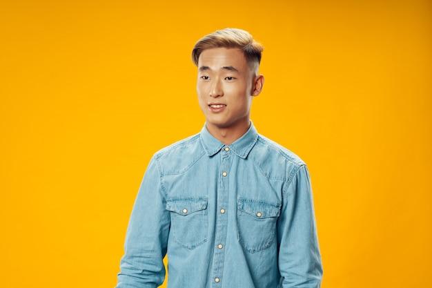 Homem asiático, posar, modelo