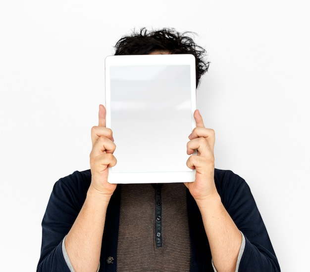 Homem asiático, segurando, tabuleta, anúncio