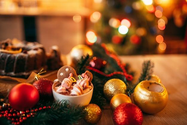 Homem-biscoito de natal, closeup de sobremesa de feriado