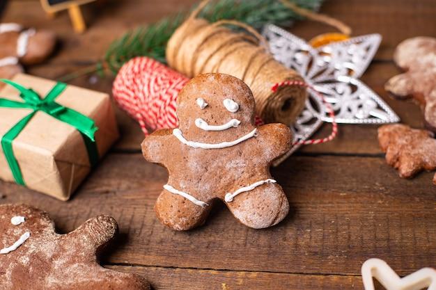 Homem-biscoito natal biscoito doce sobremesa ano novo pastelaria caseira biscoito fundo de comida