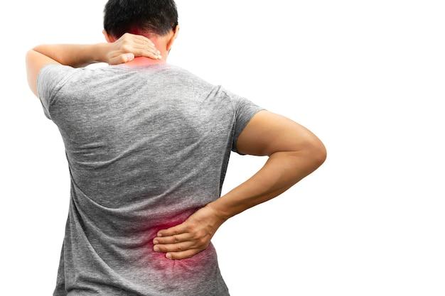 Homem com dor nas costas e pescoço isolado no fundo branco em traçado de recorte