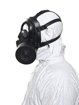 Homem com máscara de gás