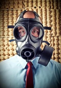 Homem, com, máscara gás
