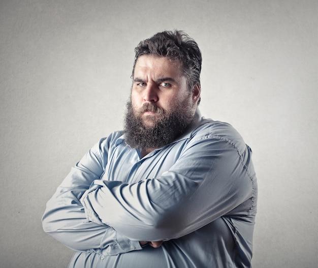 Homem com raiva gordo
