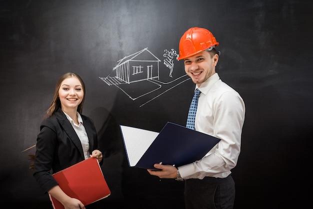 Homem construtor explica