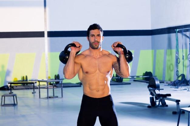 Homem crossfit, levantamento, kettlebell, exercício exercício