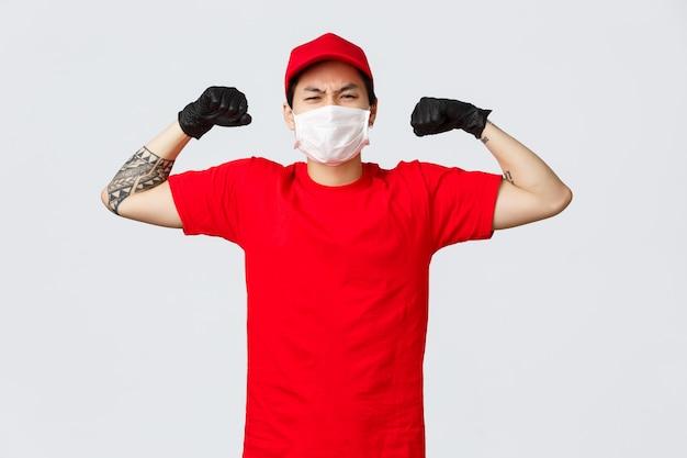 Homem de entrega de cópia-espaço mostrar músculo