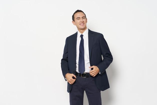 Homem de negócios confiante em um terno clássico