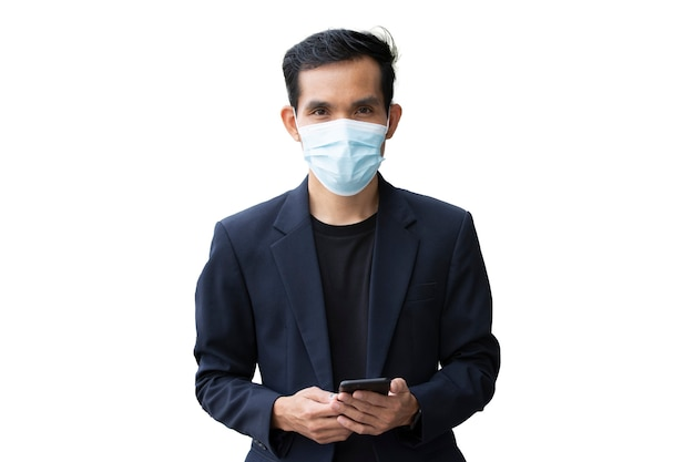 Homem de negócios usa máscara facial de fundo branco, máscara médica de homem