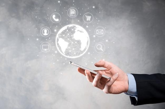 Homem de negócios, use, pressione o ícone de infográfico da tecnologia de comunidade digital. conceito de alta tecnologia e big data. conexão global. internet das coisas do iot. rede de comunicação de informação tic.