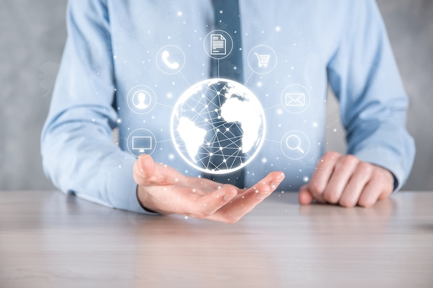 Homem de negócios, use, pressione o ícone de infográfico da tecnologia de comunidade digital. conceito de alta tecnologia e grande volume de dados. conexão global. internet das coisas do iot. rede de comunicação de informação tic.
