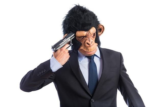 Homem do macaco fazendo suicídio