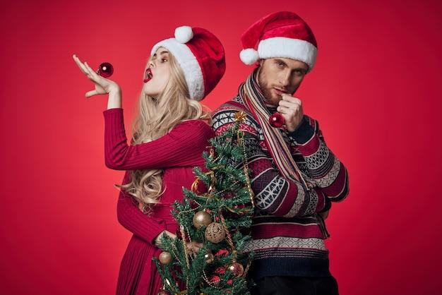 Homem e mulher natal, feriado, ano novo, romance, vermelho, fundo