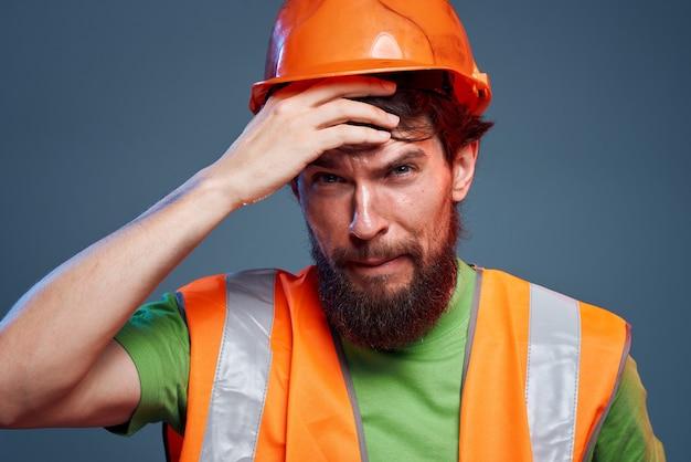 Homem em construção laranja