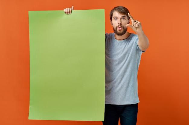 Homem emocional, publicidade, marketing, cópia, espaço, laranja, fundo