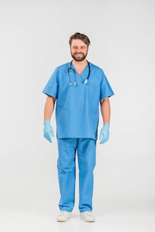 Homem enfermeira, em, uniforme, sorrindo