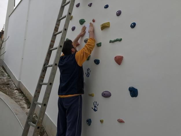 Homem, fazendo, arte, desenho, parede