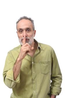 Homem fazendo em silêncio silencioso com os dedos