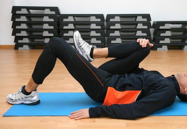 Homem, fazendo, postural, exercícios