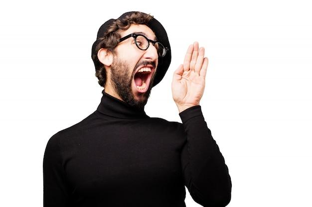 Homem gritando com uma mão levantada