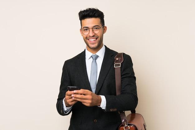 Homem jovem bonito empresário