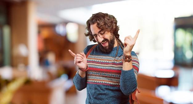 Homem jovem hippie dançando