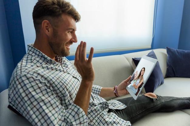 Homem jovem, tendo, um, videoconference