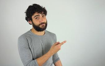 Homem, mostrando, direção, e, apontar, com, dedo
