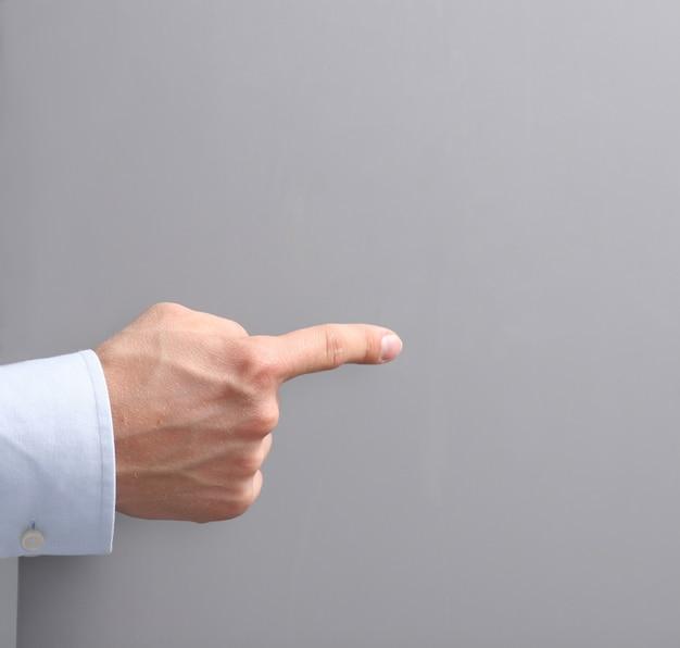 Homem, mostrando, espaço vazio, branca, painél public