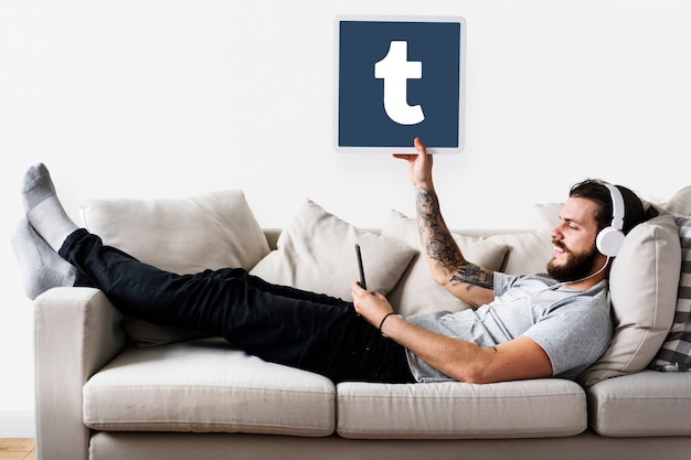 Homem, mostrando, um, tumblr, ícone