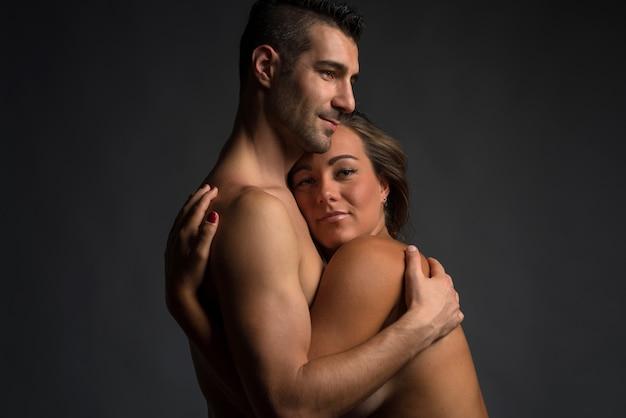 Homem mulher, abraçando