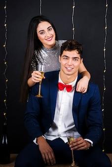 Homem mulher, com, copos champanha