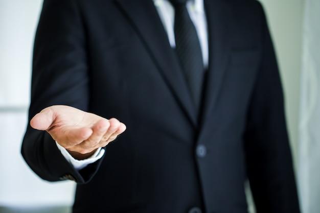 Homem negócio, com, mão vazia