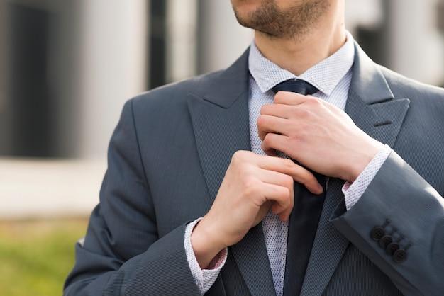 Homem negócios, ao ar livre