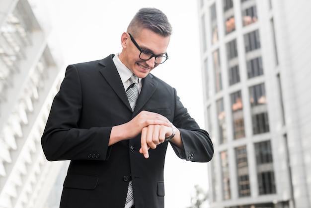 Homem negócios, com, óculos