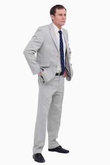 Homem negócios, com, seu, mãos, bolsos