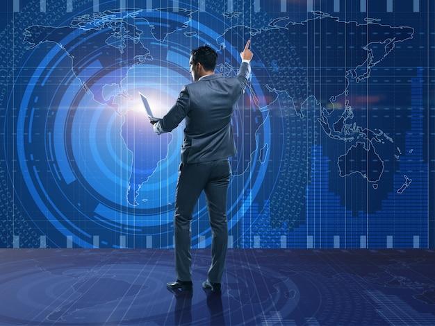 Homem negócios, em, futurista, computando, conceito