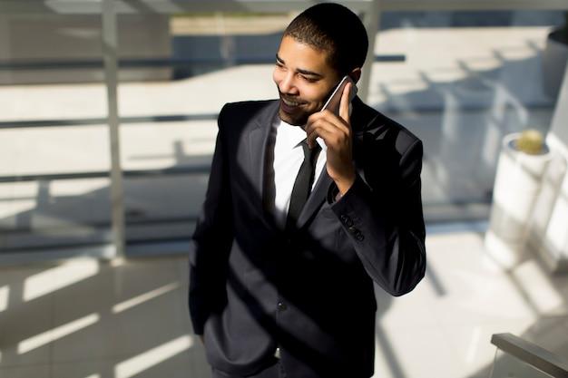 Homem negócios, ligado, um, telefone