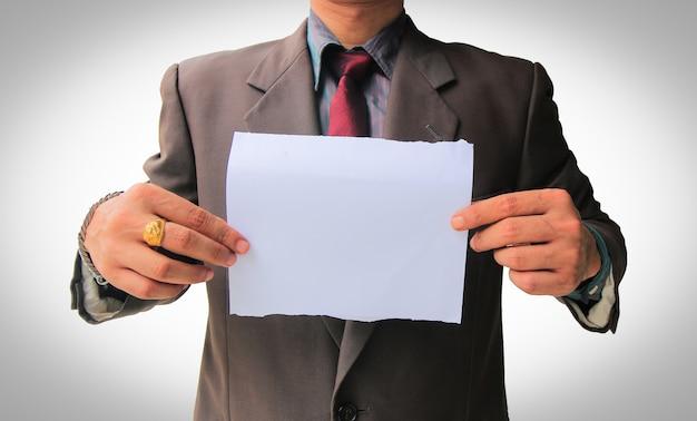 Homem negócios, mostrando, em branco, papel