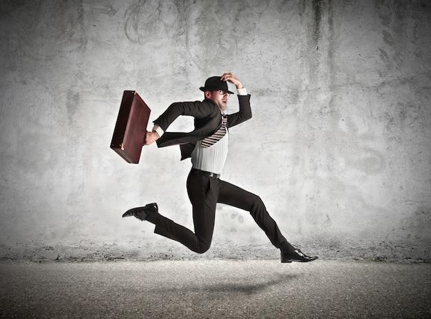 Homem negócios, pressa, trabalhar