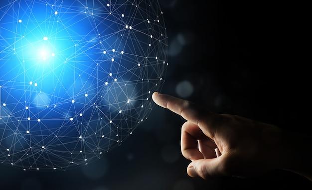 Homem negócios, usando, dados, rede, com, seu, dedos