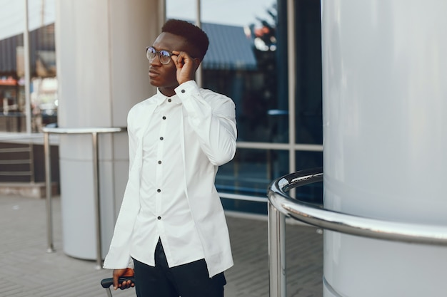 Homem negro elegante