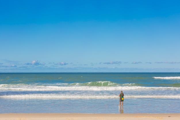 Homem, pesca, praia, passatempo, e, atividade, férias, azul, natureza, oceânicos