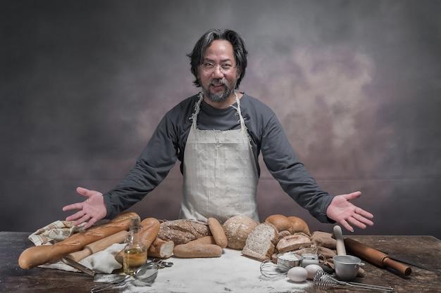 Homem, preparar, pães, tabela, em, panificadora