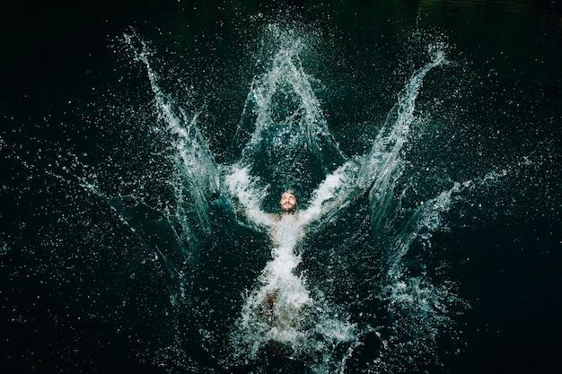 Homem, pular, água