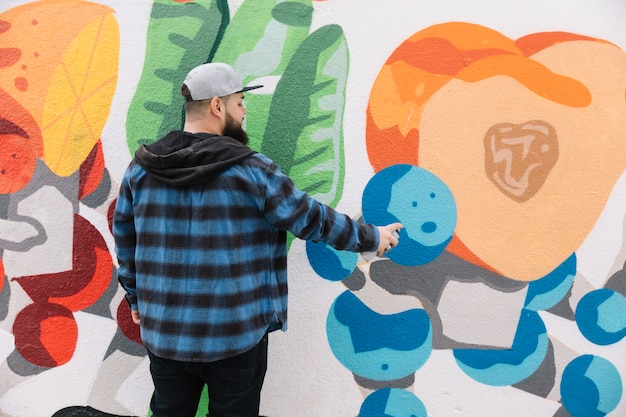 Homem, quadro, graffiti, ligado, parede
